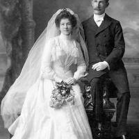 A Convenient Marriage - Lois E. Linkins