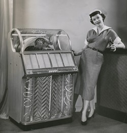 50s_girl_and_juke_box